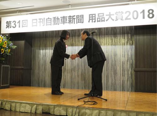 「日刊自動車新聞用品大賞 2018」でSB6Xが二輪車部門を受賞!
